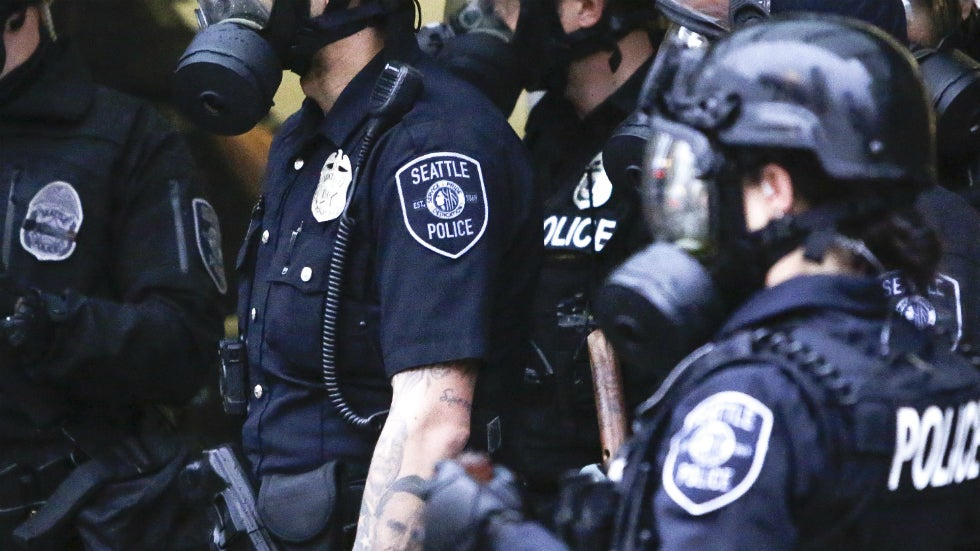 Judge blocks Seattle law banning police use of pepper spray