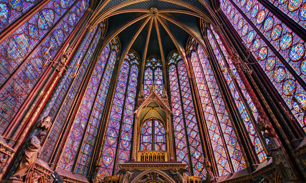 幻灯片 15 - 2: Paris, France - April 10, 2014: Beautiful stained glass of the Sainte-Chapelle (Holy Chapel), a royal medieval Gothic chapel in Paris, France, on April 10, 2014
