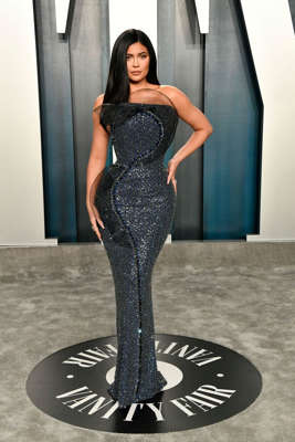 a statue of Kylie Jenner: Jenner wore Ralph & Russo to the 2020 Vanity Fair Oscar Party.