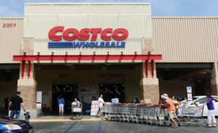 "Costco has an overall rating of 3.9 on Glassdoor, and employees give CEO Craig Jelinek a 92 percent approval rating. ""Great pay, great benefits,"" says one employee whose only complaint is, ""It""s retail, you will work weekends and late nights."""