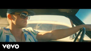 "a man wearing sunglasses: The official music video for Parker McCollum's ""To Be Loved By You"".  Subscribe to Parker McCollum's channel: https://umgn.us/ParkerMcCollumSubscribe  Listen to Parker McCollum's latest music: https://strm.to/PMToBeLovedByYou  Hell, maybe I'm right, maybe I'm wrong Finding out why shouldn't take this long Easier said than done, I guess I'm a little bit harder to love than the rest Why does this have to be so hard? Doing my best to hold your heart And I, I'll never let it go again So why are you always angry? Why are you always quiet? Why do you sleep alone When I know you don't like it?  Watch more official videos from Parker McCollum: https://umgn.us/ParkerMcCollumVideos Sign up to receive email updates from Parker McCollum: https://umgn.us/ParkerMcCollumEmailUpdates ****************************************** Website: https://www.parkermccollum.com Facebook: https://www.facebook.com/ParkerMcCollumMusic Instagram: http://instagram.com/parkermccollum Twitter: https://twitter.com/ParkerMcCollum  ****************************************** #ParkerMcCollum #ToBeLovedByYou #CountryMusic  Music video by Parker McCollum performing To Be Loved By You. An MCA Nashville Production; © 2021 UMG Recordings, Inc."