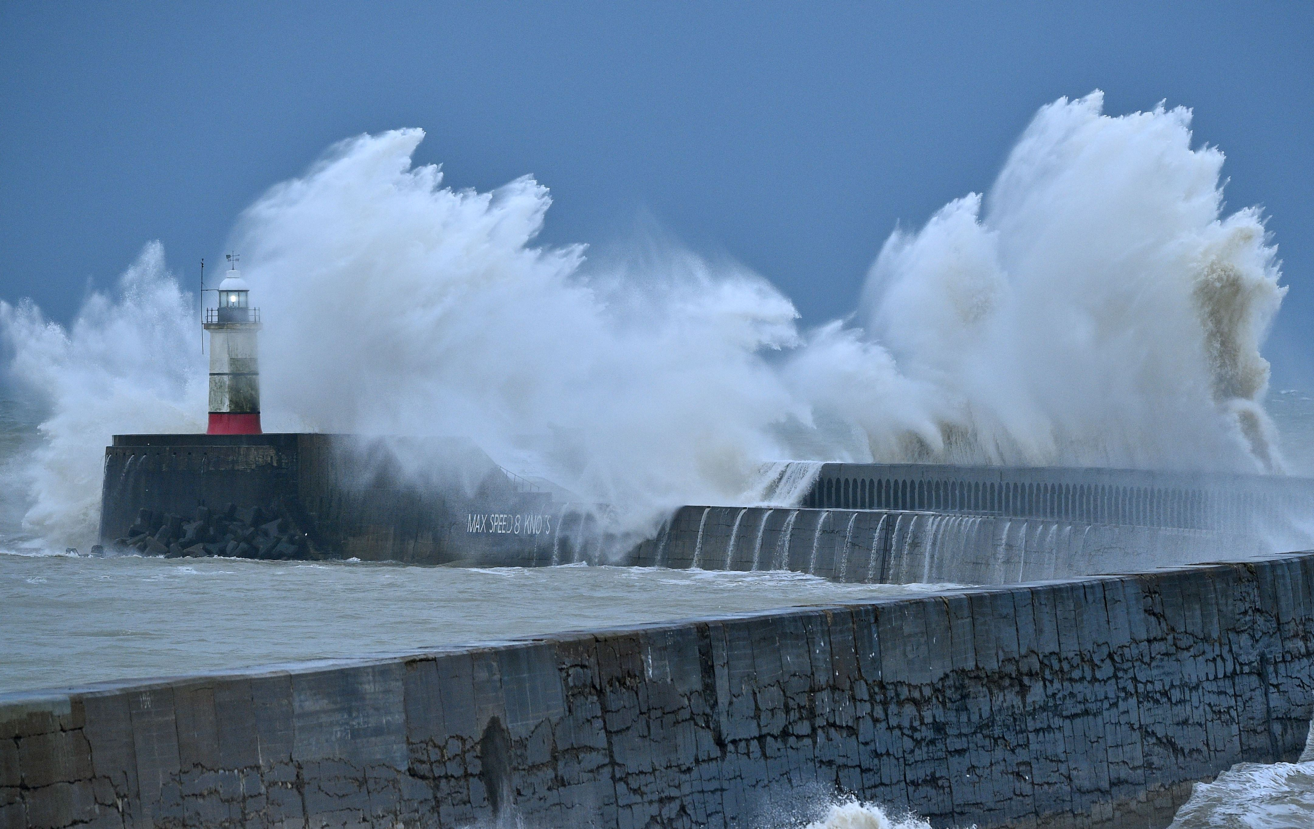Warnings as storm Bella moves in on Scotland