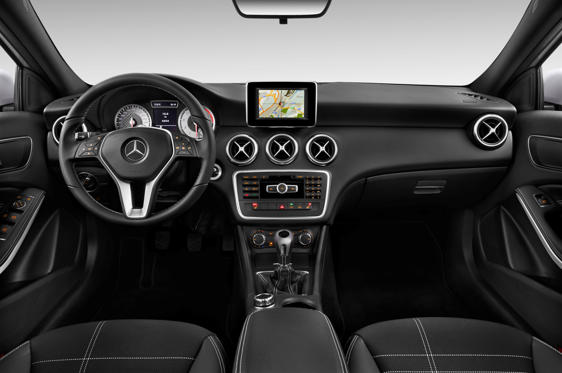 Slide 1 of 11: en-FR 2014 MERCEDES A-CLASS
