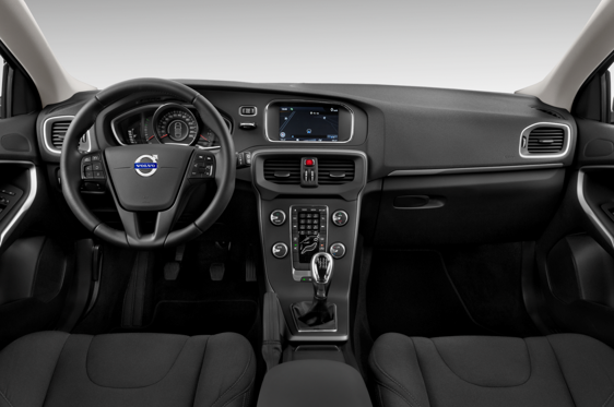 Slide 1 of 11: en-FR 2014 VOLVO V40