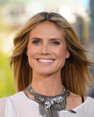 LOS ANGELES, CA - MARCH 14:  Heidi Klum visits 'Extra' at The Grove on March 14, 2013 in Los Angeles, California.  (Photo by Noel Vasquez/Getty Images for Extra)
