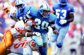 Detroit Lions running back Barry Sanders carries the ball against the Buccaneers in Tampa, Fla., on Dec. 2, 1994.