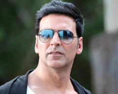 Akshay Kumar: He might be one of the most popular Bollywood actors of the recent times, but his Bollywood journey has not been too easy. In an interview on Aap Ki Adalat, Kumar revealed that he worked as a spot boy in Kolkata. And that was not all. He even used to sell kundan jewellery in Lajpat Nagar before he joined Bollywood.