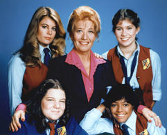 The Facts Of Life - 1979-1988 Lisa Whelchel, Charlotte Rae, Nancy McKeon, Mindy Cohn, Kim Fields