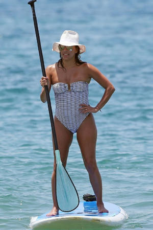 FAMEFLYNET exclusive Eva Longoria and Jose Baston enjoy a day on the beach in Hawaii