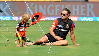 AB de Villiers seems to be the best father in the world