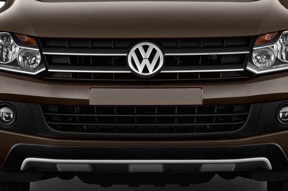 Slide 1 of 25: 2013 Volkswagen Amarok