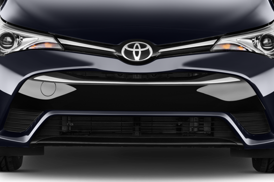 Slide 1 of 25: 2015 Toyota Avensis