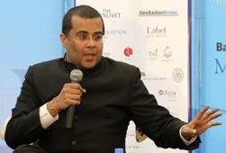 Indian author Chetan Bhagat speaks at the annual Literature Festival in Jaipur, capital of India's desert state of Rajasthan, in this January 21, 2012 file photo.