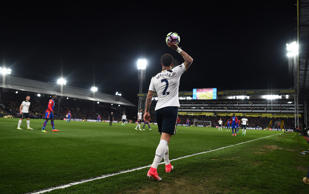 Tottenham's Kyle Walker prepares to take a throw in Reuters / Dylan Martinez Liv...