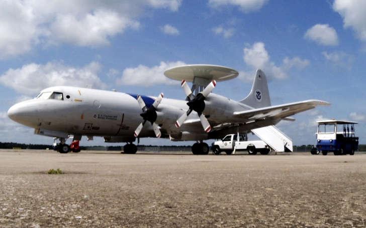 P-3 surveillance plane