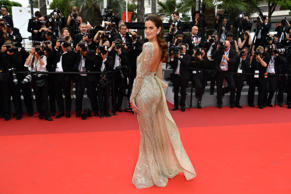 Brazilian model Izabel Goulart poses as she arrives on May 26, 2017 for the scre...