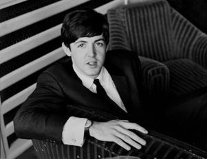 UNITED KINGDOM - JANUARY 01:  Photo of Paul McCARTNEY and BEATLES; Paul McCartney, posed  (Photo by Fiona Adams/Redferns
