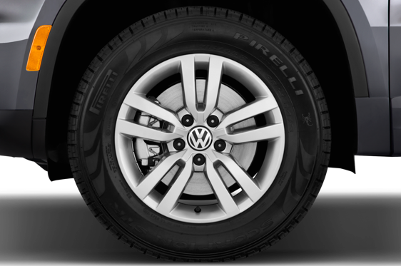 Slide 1 of 25: 2016 Volkswagen Tiguan