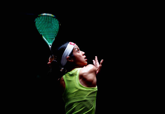 Slide 23 de 36: DUBAI, UNITED ARAB EMIRATES - JUNE 06:  Nicol Davis of Malaysia competes against Laura Massaro of England during day one of the PSA Dubai World Series Finals 2017 at Dubai Opera on June 6, 2017 in Dubai, United Arab Emirates.  (Photo by Francois Nel/Gett