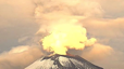 Video shows early morning volcanic eruption in Mexico