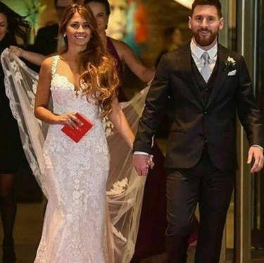 Diapositiva 19 de 63: Todo sobre la boda de Lionel Messi y Antonela Roccuzzo