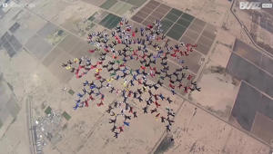 217 skydivers break world record