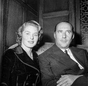 FRANCE - NOVEMBER 04: The Swedish actress Ingrid BERGMAN and her husband, the Italian director Roberto ROSSELLINI giving a press conference in Paris. (Photo by Keystone-France/Gamma-Keystone via Getty Images)