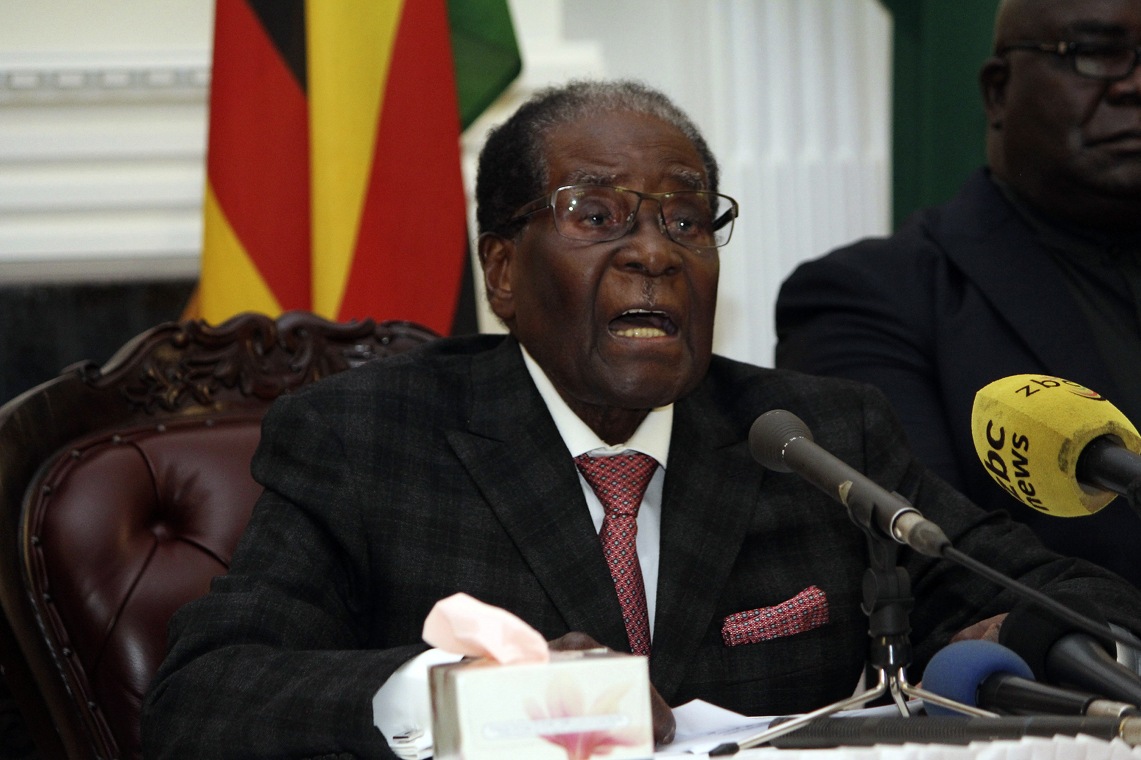 Zimbabwe's Mugabe, facing impeachment, calls Cabinet meeting
