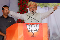 Pak army ex-DG wants Ahmed Patel as Gujarat CM: Modi