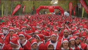 Thousands of 'santas' race in Madrid