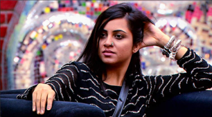 Arshi Khan doesn't want Hina Khan to win Bigg Boss 11