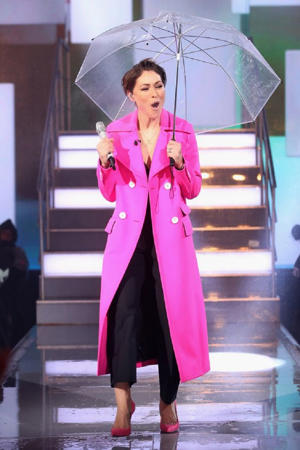 Celebrity big Brother loved Emma Willis' outfit tonight (Image: WireImage)