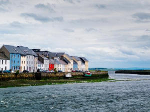 View of small port of Galway (Getty Images/iStockphoto)