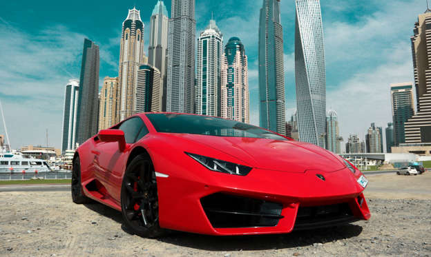 幻灯片 20 - 1: Dubai, United Arab Emirates -  May 8, 2017. Red Lamborghini Huracan in Dubai Marina; Shutterstock ID 752797450