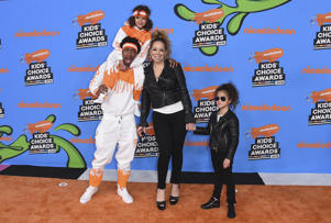Nick Cannon, center left, Mariah Carey, center right, and from left, their children Moroccan and Monroe arrive at the Kids' Choice Awards at The Forum on Saturday, March 24, 2018, in Inglewood, Calif. (Photo by Jordan Strauss/Invision/AP)