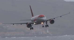 Storms cause landing difficulties in Portugal