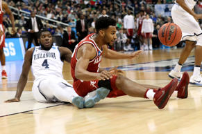 PITTSBURGH, PA - MARCH 17:  Braxton Key #25 of the Alabama Crimson Tide fights for the ball against Eric Paschall #4 of the Villanova Wildcats during the first half in the second round of the 2018 NCAA Men's Basketball Tournament at PPG PAINTS Arena on March 17, 2018 in Pittsburgh, Pennsylvania.  (Photo by Rob Carr/Getty Images)