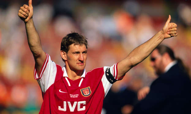 Slide 2 de 51: 16 May 1998 Wembley FA Cup Final - Arsenal v Newcastle United, Arsenal captain Tony Adams gives the thumbs up to the fans after the match. (Photo by Mark Leech/Getty Images)