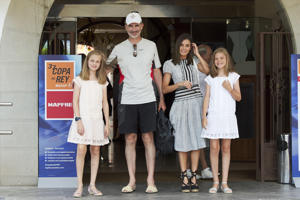 King Felipe VI of Spain, Queen Letizia of Spain, Princess Leonor of Spain (L) and Princess Sofia of Spain (R) pose for the photographers the last day of the 37th Copa del Rey Mapfre sailing cup on August 4, 2018 in Palma de Mallorca, Spain.