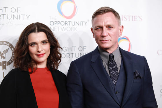 שקופית 1 מתוך 34: NEW YORK, NY - APRIL 9: Rachel Weisz and Daniel Craig attend The Opportunity Network's 11th Annual Night of Opportunity Gala at Cipriani Wall Street on April 9, 2018 in New York City. (Photo by Gonzalo Marroquin/Patrick McMullan via Getty Images)