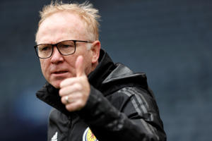 Soccer Football - UEFA Nations League - Scotland Training - Hampden Park, Glasgow, Britain - September 9, 2018   Scotland manager Alex McLeish during training   Action Images via Reuters/Lee Smith