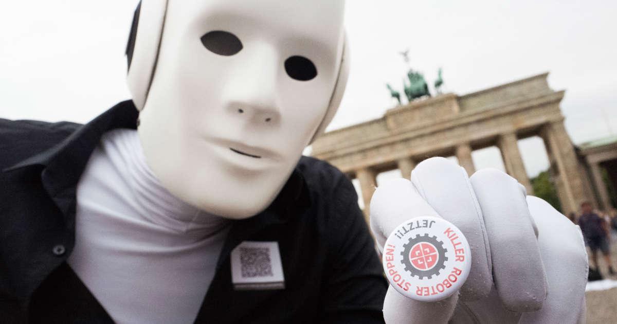 "EU lawmakers call for global ban on ""killer robots"""