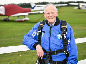 D-Day veteran completes first high-level skydive since Normandy in June 1944