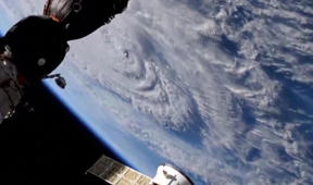 Le moment où l'ouragan Florence touche terre