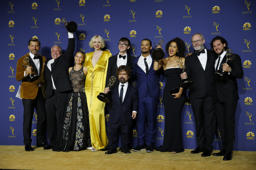 'Game of thrones' vuelve a imponer su poder en los Emmy
