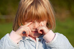 (GERMANY OUT)   little girl rubbing her eyes    (Photo by Kuttig\ullstein bild via Getty Images)