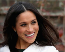LONDON, ENGLAND - NOVEMBER 27:  Meghan Markle during an official photocall to announce the engagement of Prince Harry and actress Meghan Markle at The Sunken Gardens at Kensington Palace on November 27, 2017 in London, England.  Prince Harry and Meghan Markle have been a couple officially since November 2016 and are due to marry in Spring 2018.  (Photo by Chris Jackson/Getty Images)