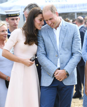 NEWQUAY, UNITED KINGDOM - SEPTEMBER 01:  Prince William, Duke of Cambridge and Catherine, Duchess of Cambridge visit Towan Beach during a visit to Cornwall on September 1, 2016 in Cornwall, United Kingdom.  (Photo by Samir Hussein/WireImage)