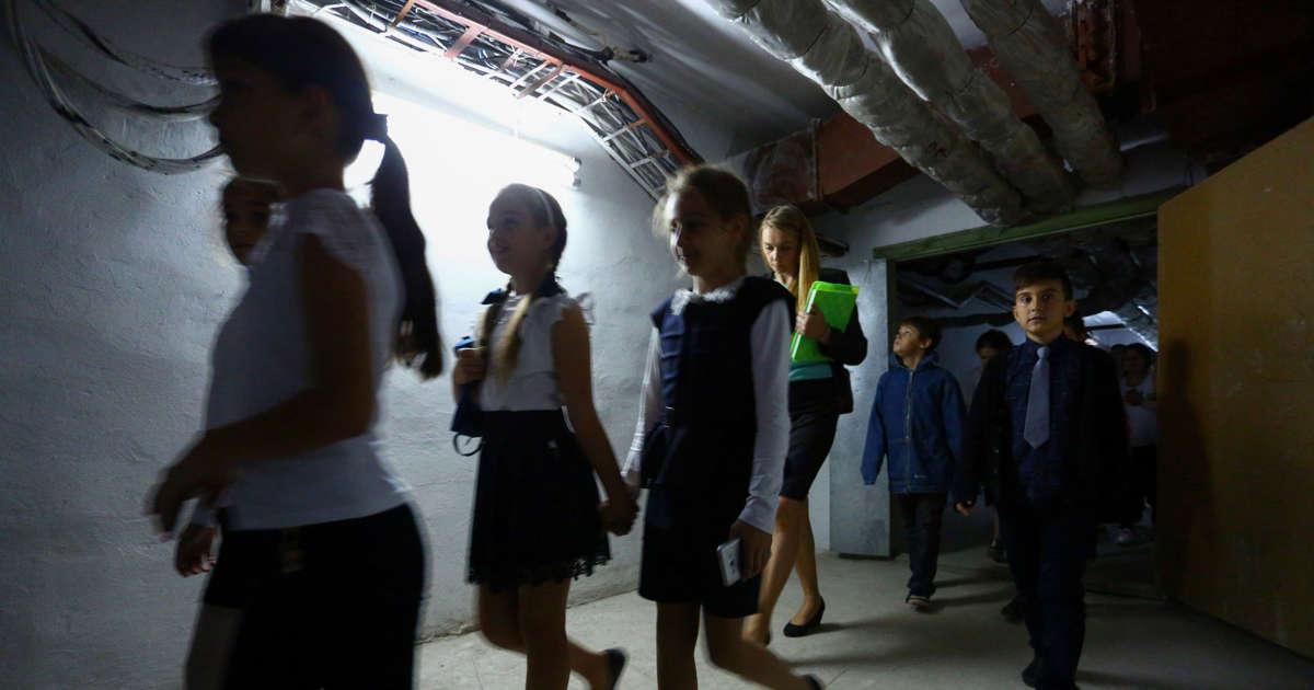 War drills on the school curriculum in eastern Ukraine
