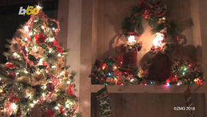 a christmas tree in a room: Low On Cash? These Holiday Gifts Cost Nothing, But Time